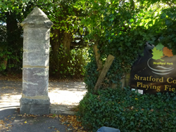 Entrance to Stratford Court, Straford Rd